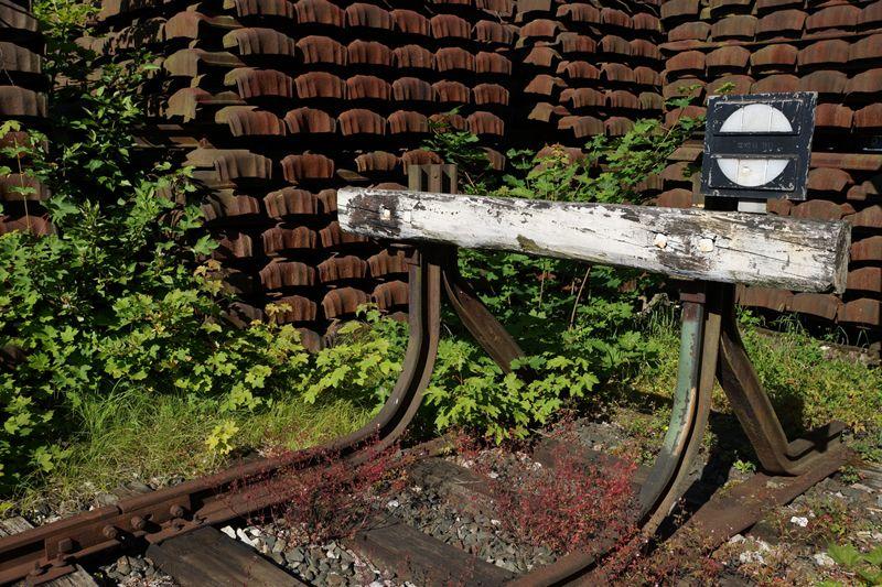 Der Prellbock simbolisiert das Ende einer Bahnstrecke. Welche Alternativen gibt es zur Bahn, wenn diese einmal ausfällt?