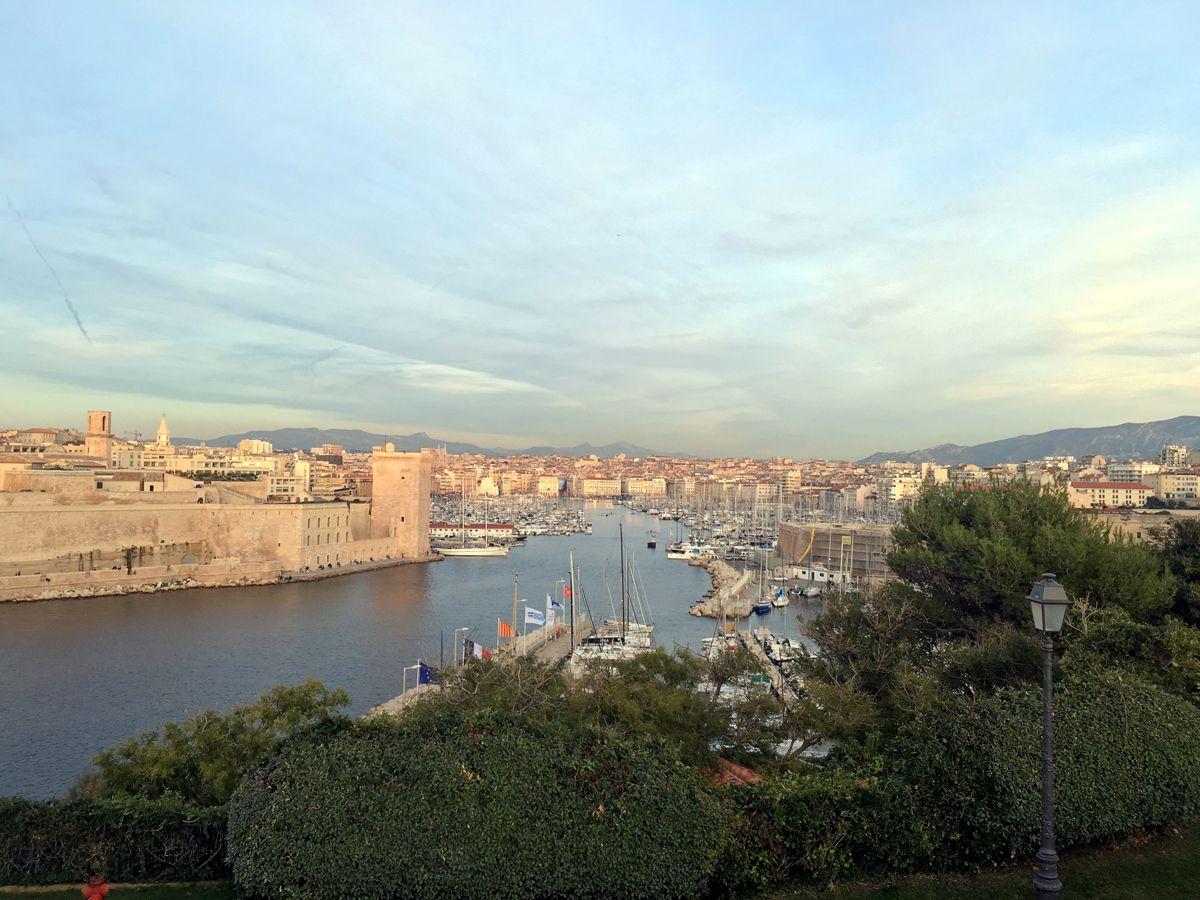 Von Frankfurt am Main können Sie ganz bequem mit dem TGV nach Marseille reisen.