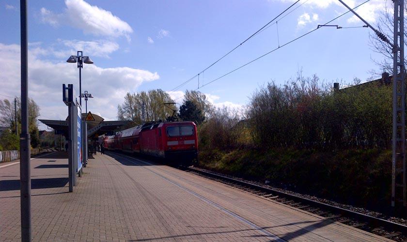 Die Bahnstrecke Berlin - Rostock wird attraktiver.