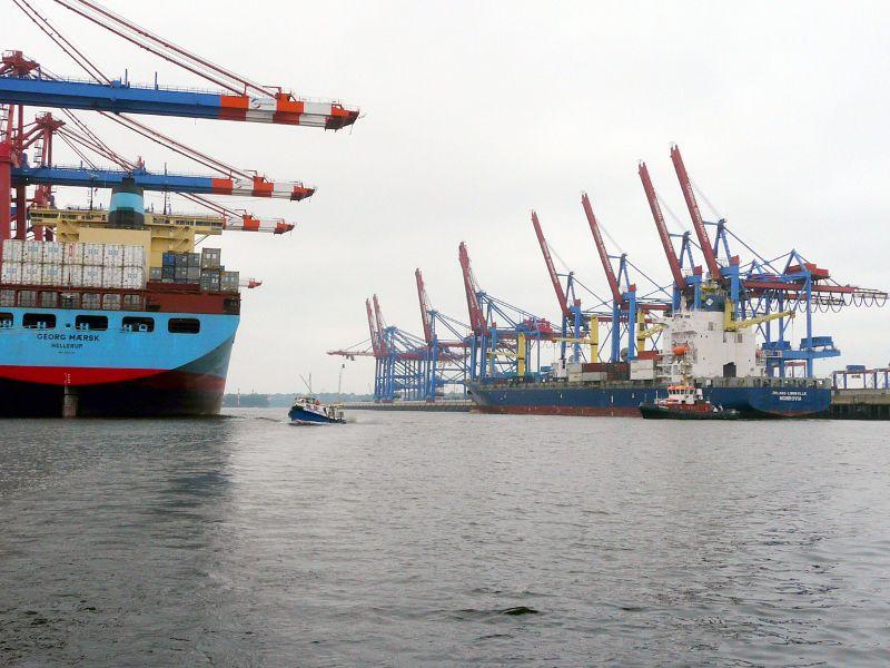 Auf Ihrer Städtreise nach Hamburg sollten Sie auch den Hafen besichtigen.