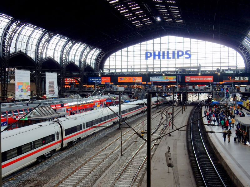 Beim Kurzurlaub in Hamburg kommen viele Städtereisende direkt über den Hauptbahnhof in die Hansestadt.